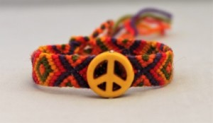 peace-and-love-armbandje